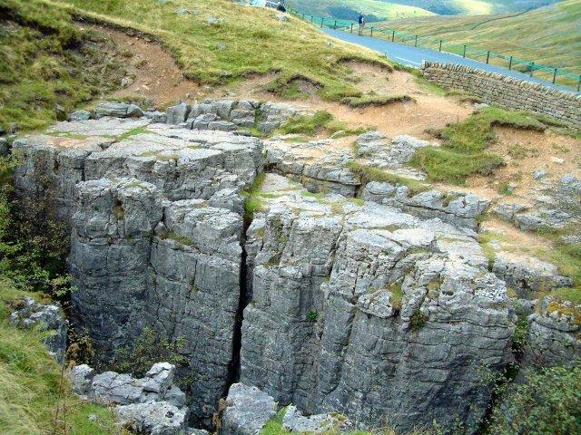 Limestone rocks beside Buttertubs